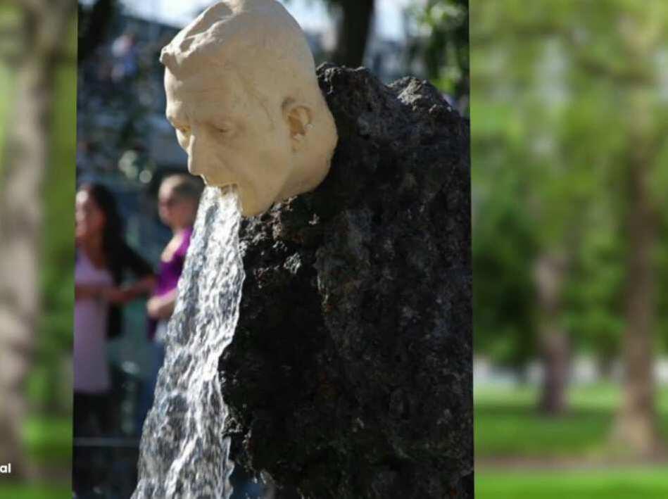 Bild zu Lustige Statuen