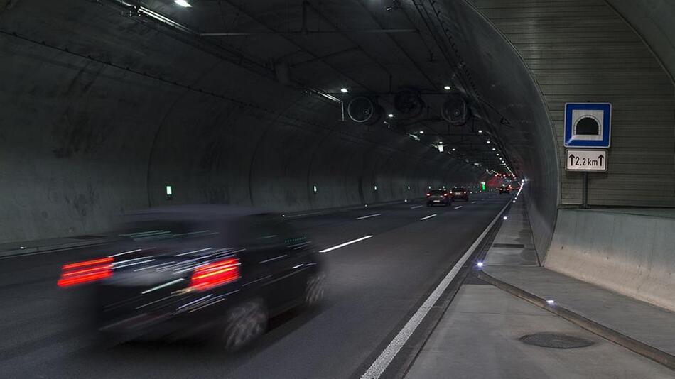 Stau-Regeln im Tunnel