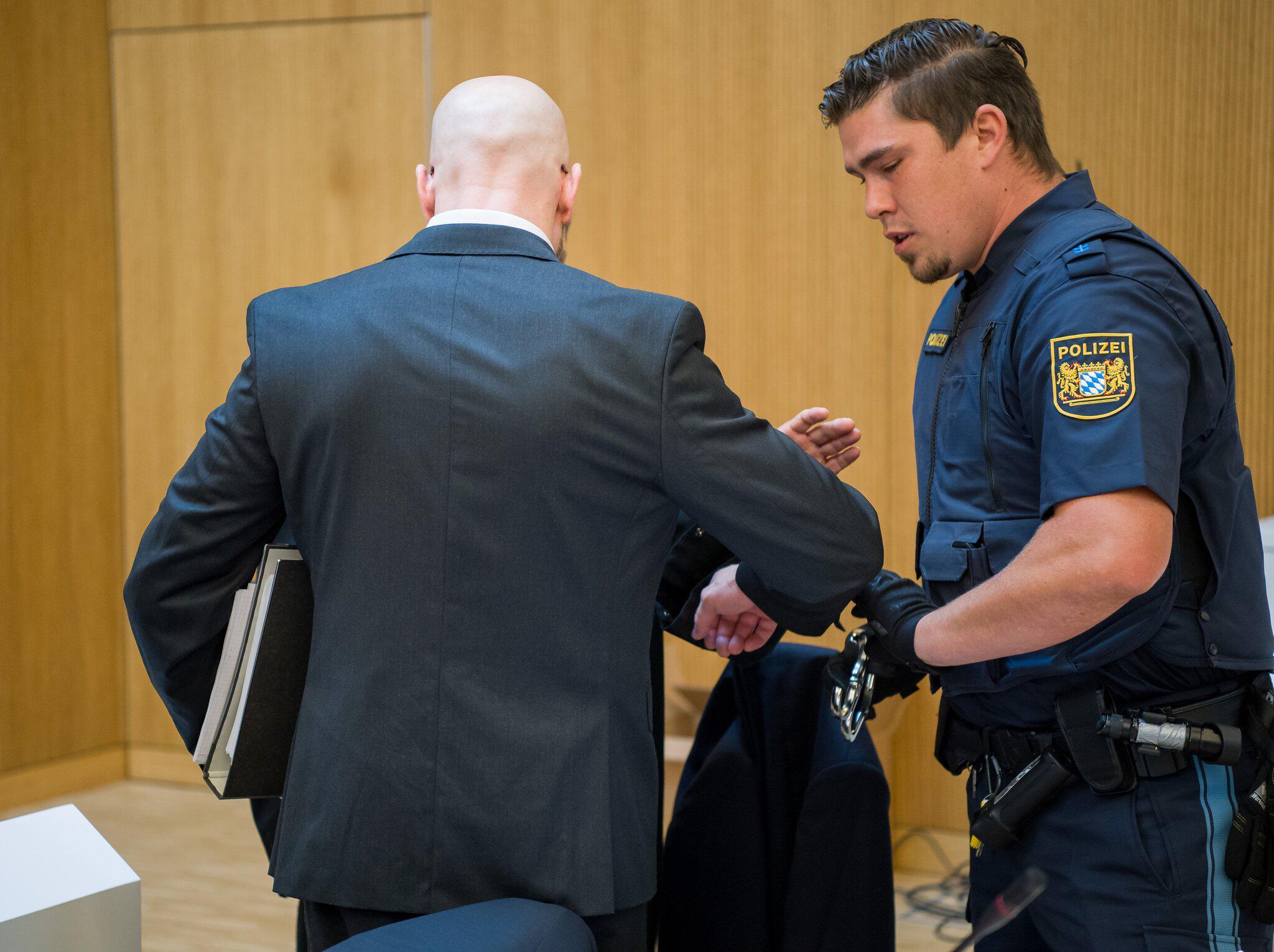 Bild zu Urteil erwartet im Prozess um doppelten Raubmord in Höfen