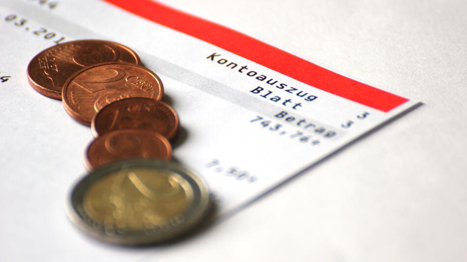 Finanzen, Girokonto, Banken, Zinsen, Tagesgeld, Kontoeröffnung, Geld, Euro