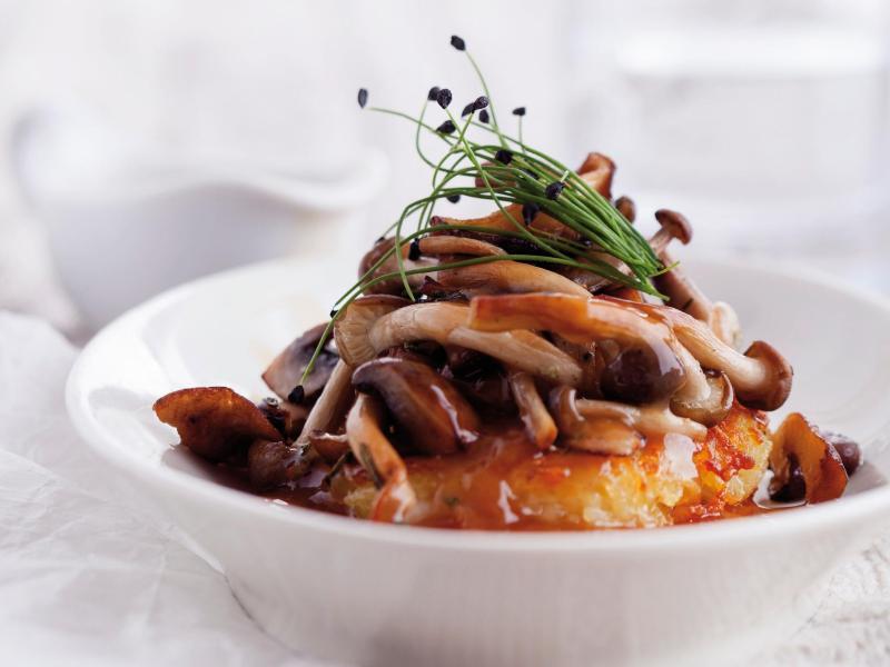 Bild zu Buchenpilze auf Kartoffelrösti