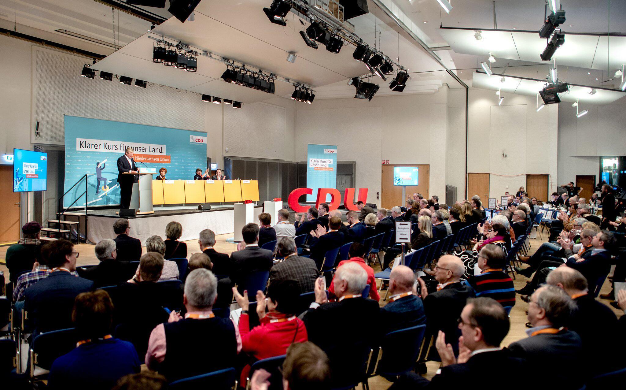 Bild zu CDU/CSU und SPD wollen Corona-Notfallregelung für Bundestagswahl