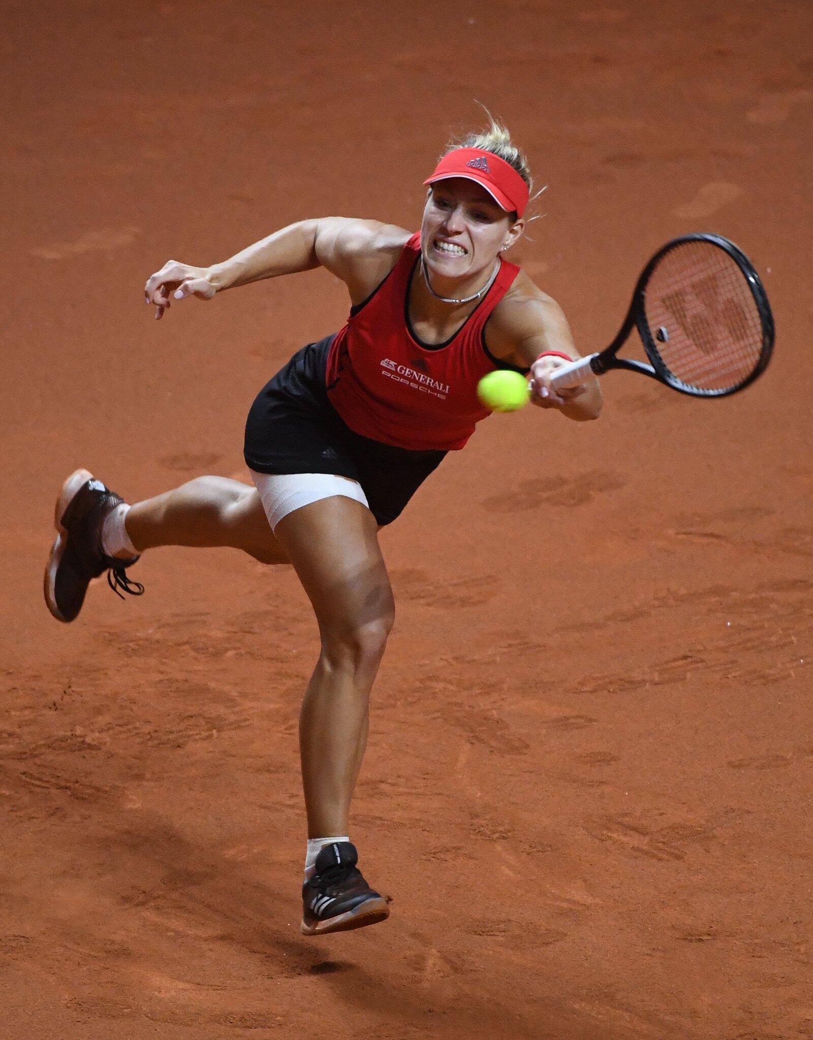 Bild zu Tennis, WTA-Tour, Stuttgart, Angelique Kerber, Verletzung, Achtelfinale