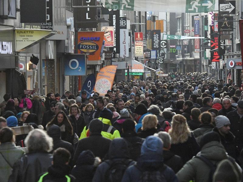 Bild zu Volle Innenstadt in Köln