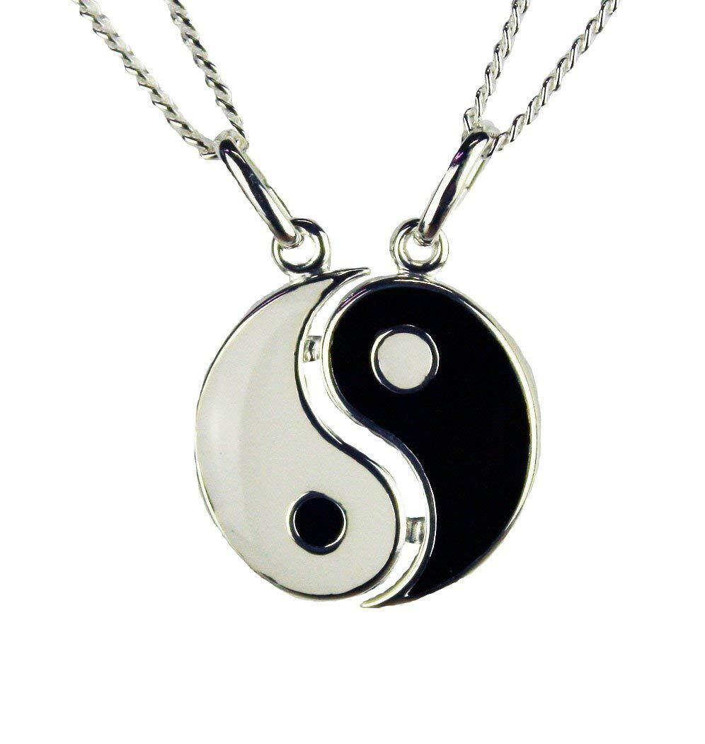 Bild zu Yin und Yang sind Begriffe aus dem Daoismus und stehen für das Weibliche und das Männliche.