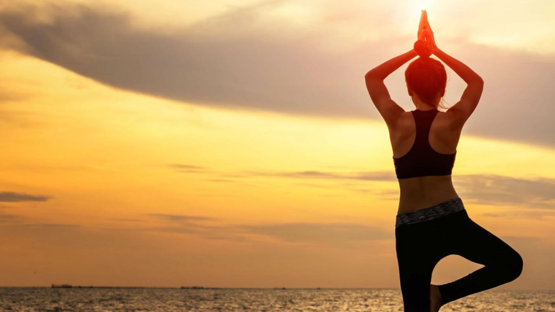 Bild zu Yoga, Übung, Sonne