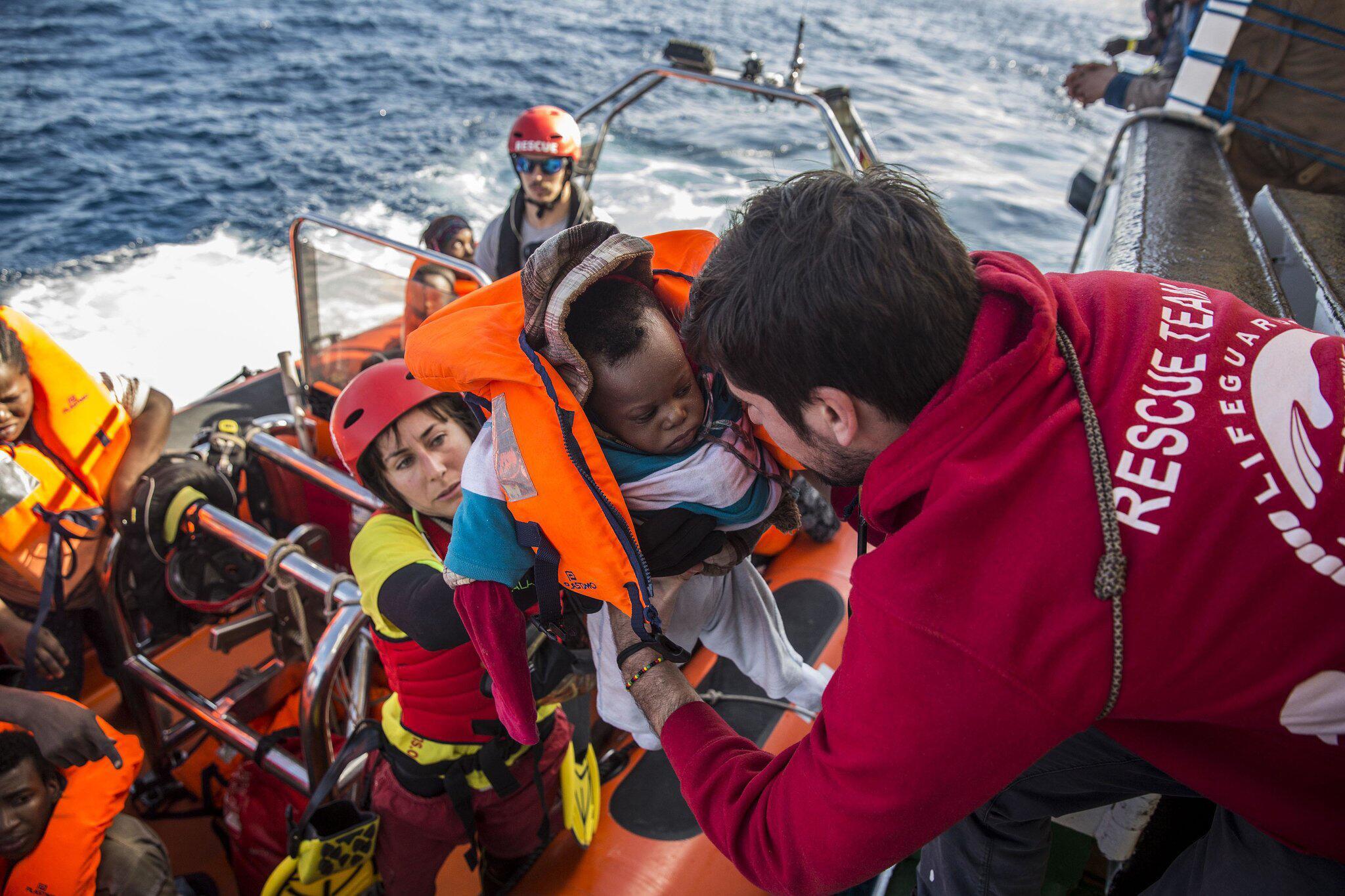Bild zu Flüchtlinge aus Seenot gerettet