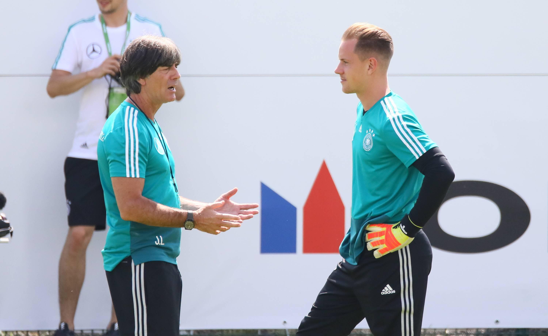 Bild zu Fußball, DFB, Nationalmannschaft, Löw, ter Stegen, Neuer