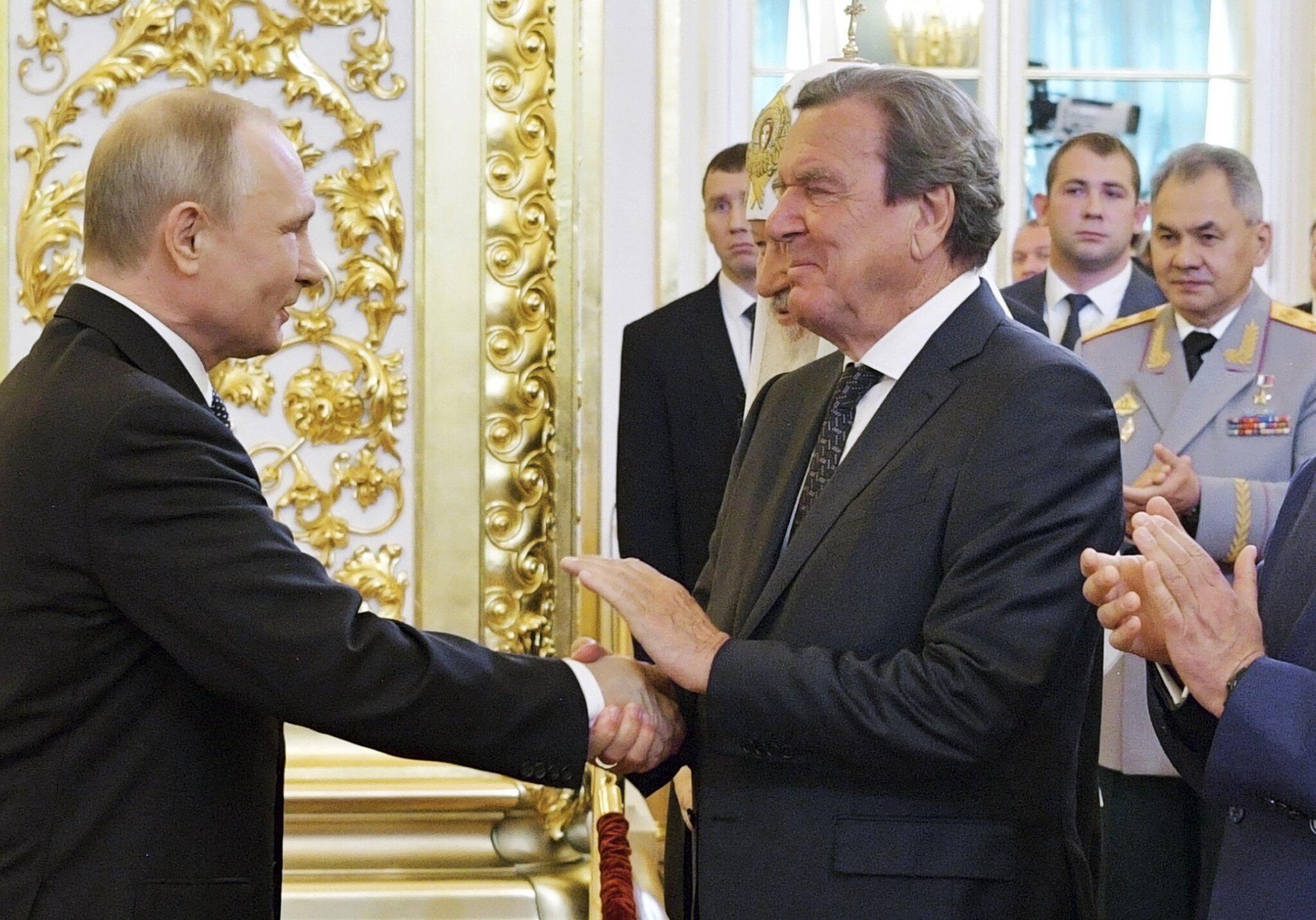 Bild zu Russland, Wladimir Putin, Gerhard Schröder