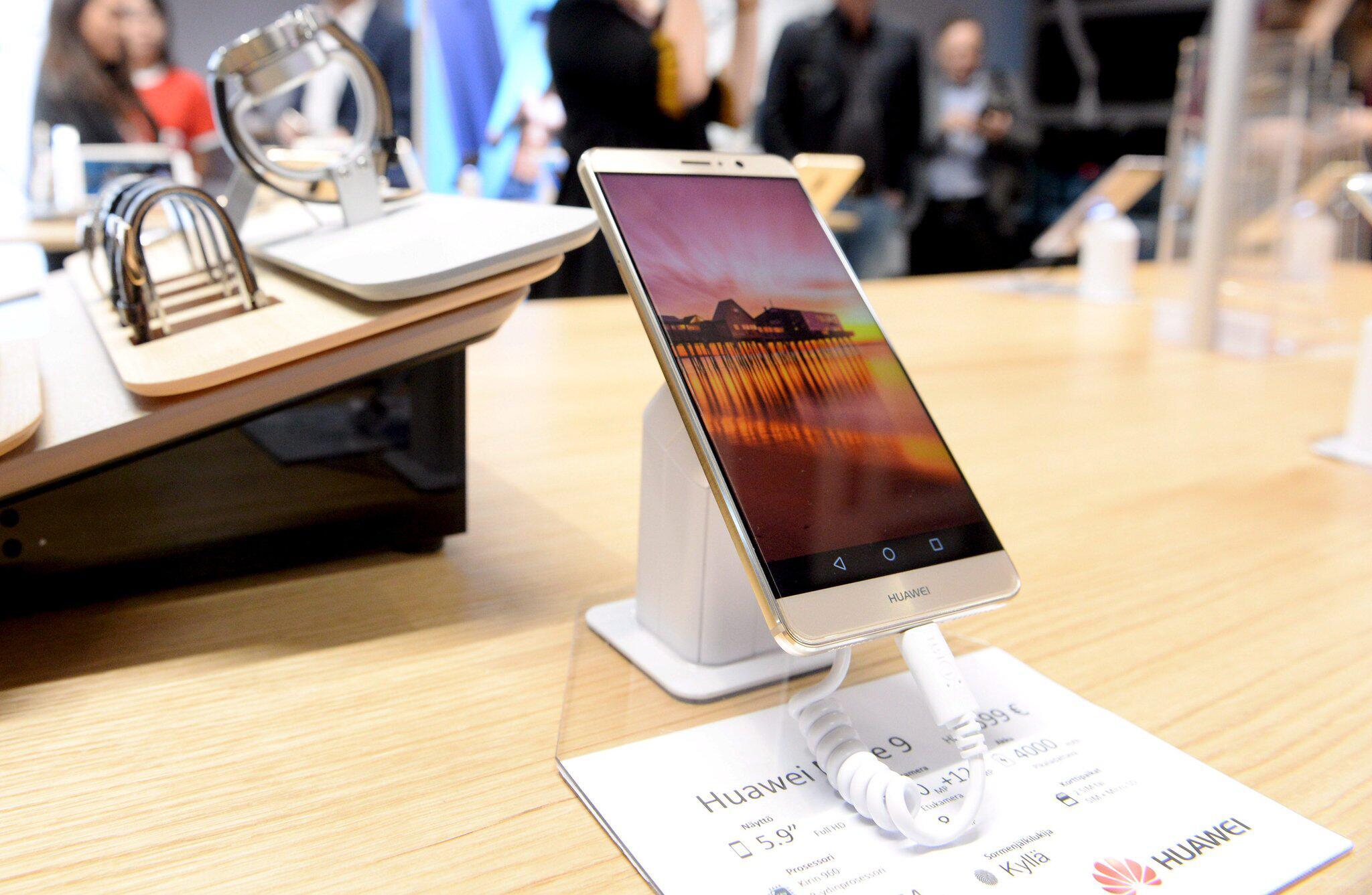 Bild zu Sanktionen schneiden Huawei künftig von Google-Diensten ab