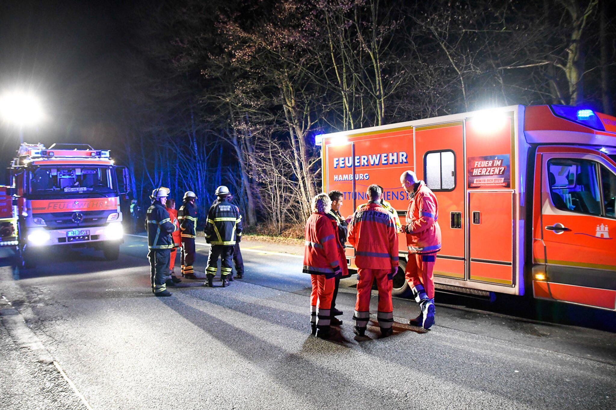 Bild zu Tödlicher Unfall an Hamburger Stadtgrenze - Unfallflucht