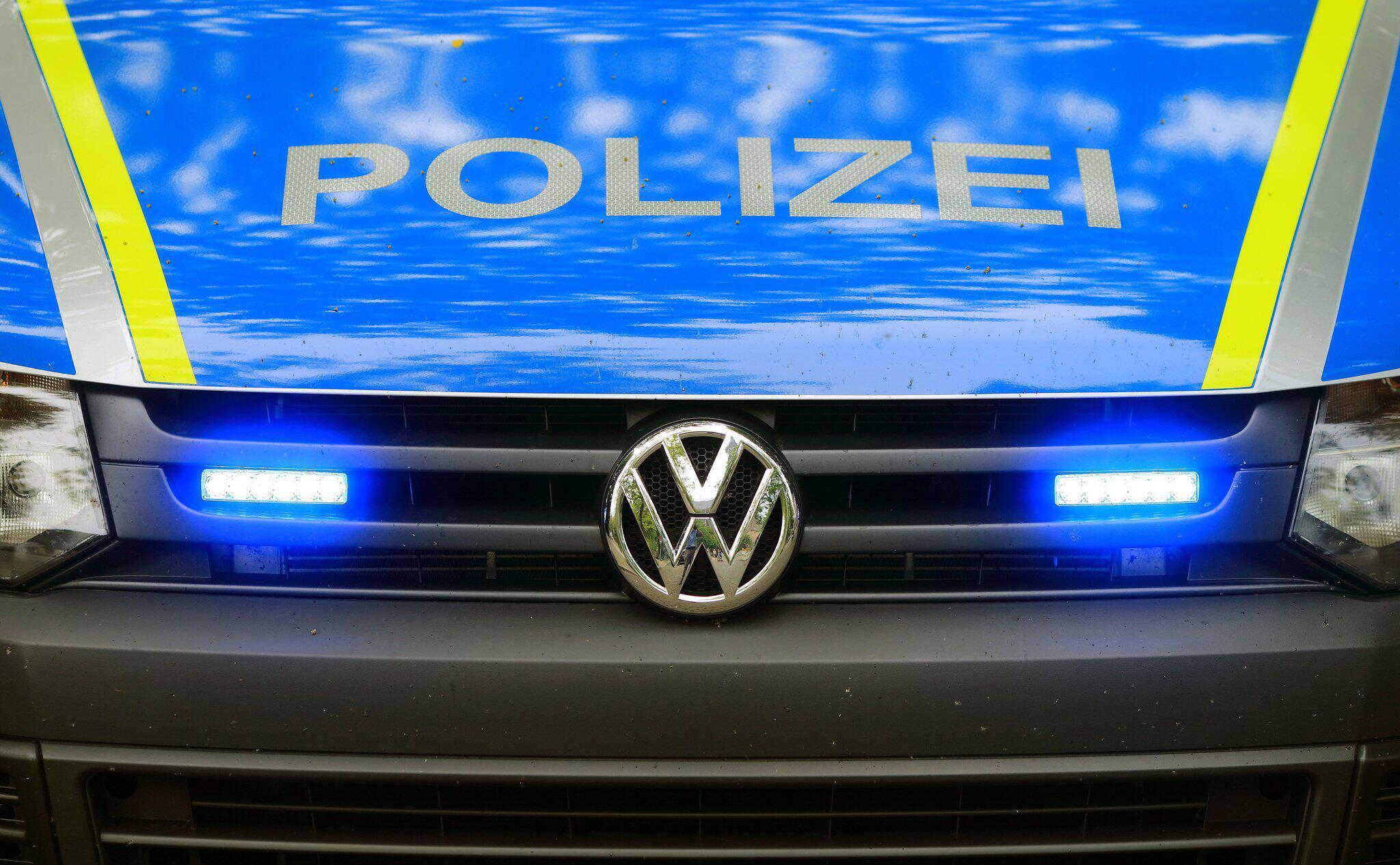 Bild zu Polizei-Fahrzeug