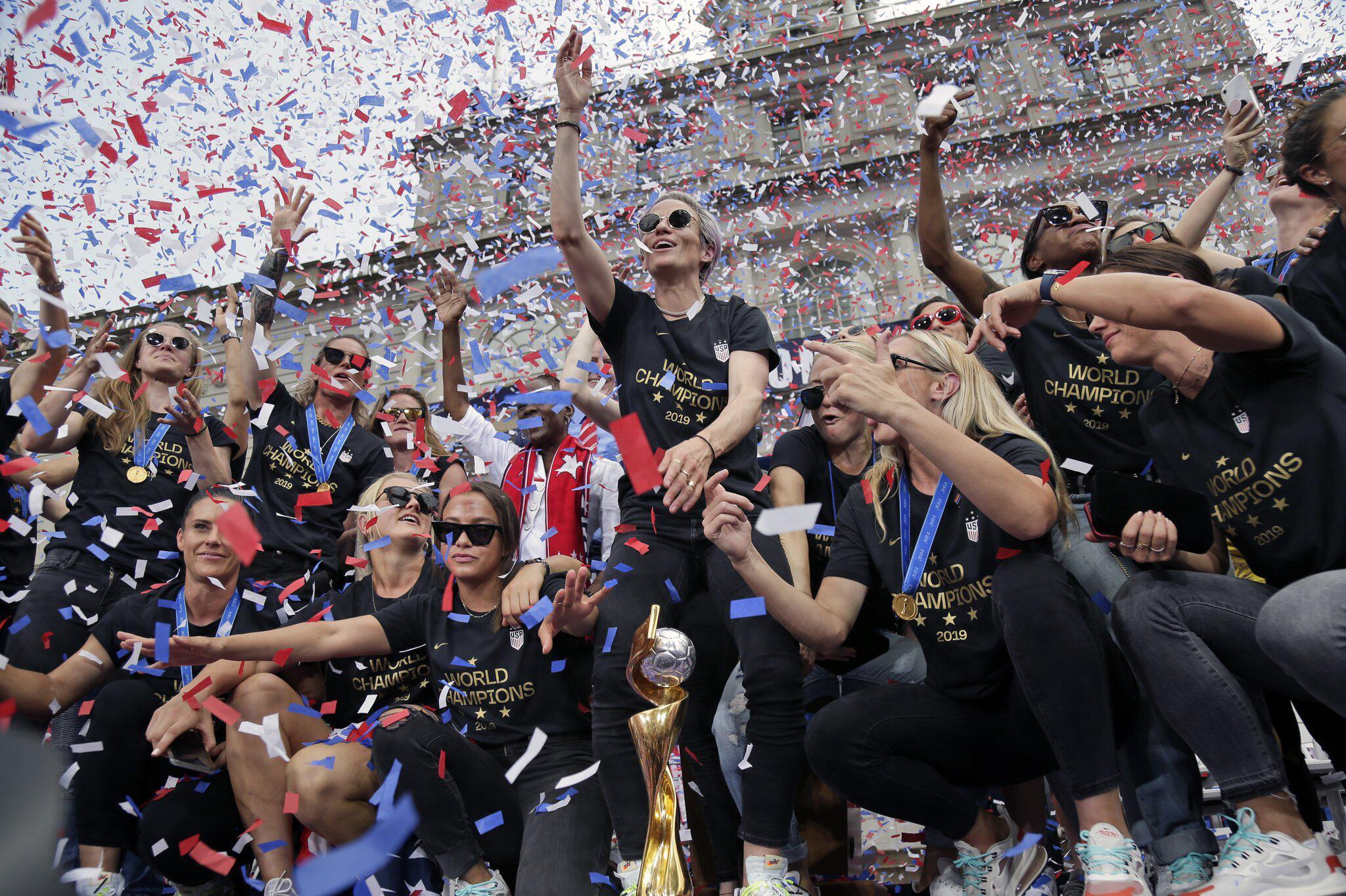 Bild zu Fußball-Weltmeisterinnen in New York