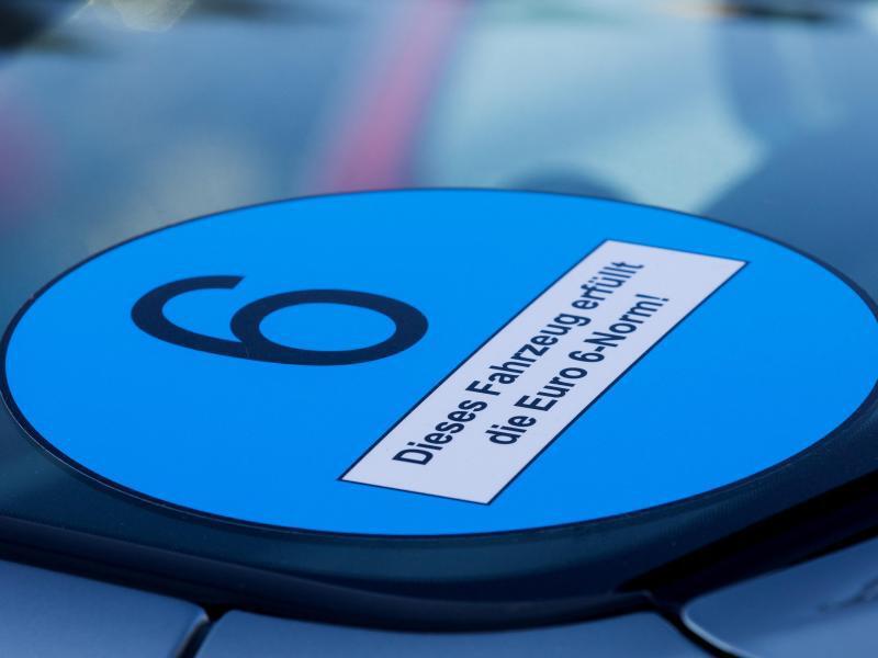 Bild zu Diesel-Fahrverbote - Blaue Plakette