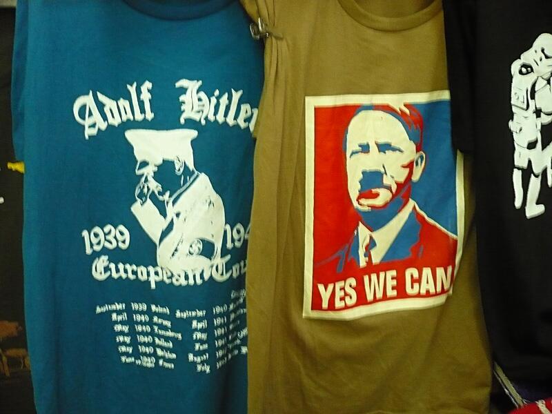 Bild zu Hitler T-Shirts