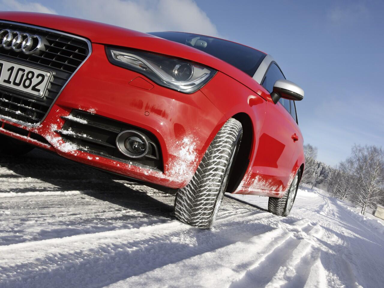 Bild zu Glatte und verschneite Straßen: Eine Herausforderung auch für erfahrene Autofahrer