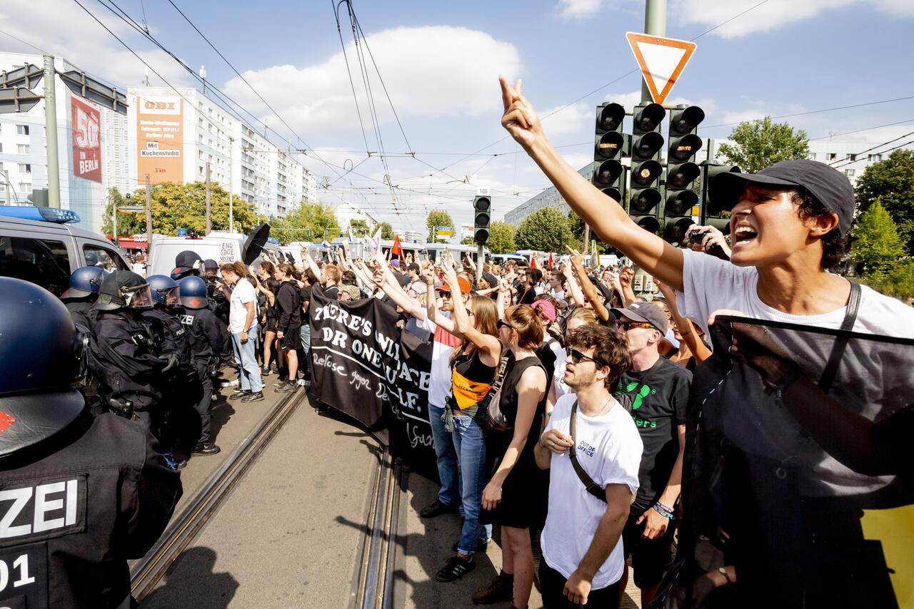 Bild zu Demonstrationen zum 31. Todestag von Rudolf Heß