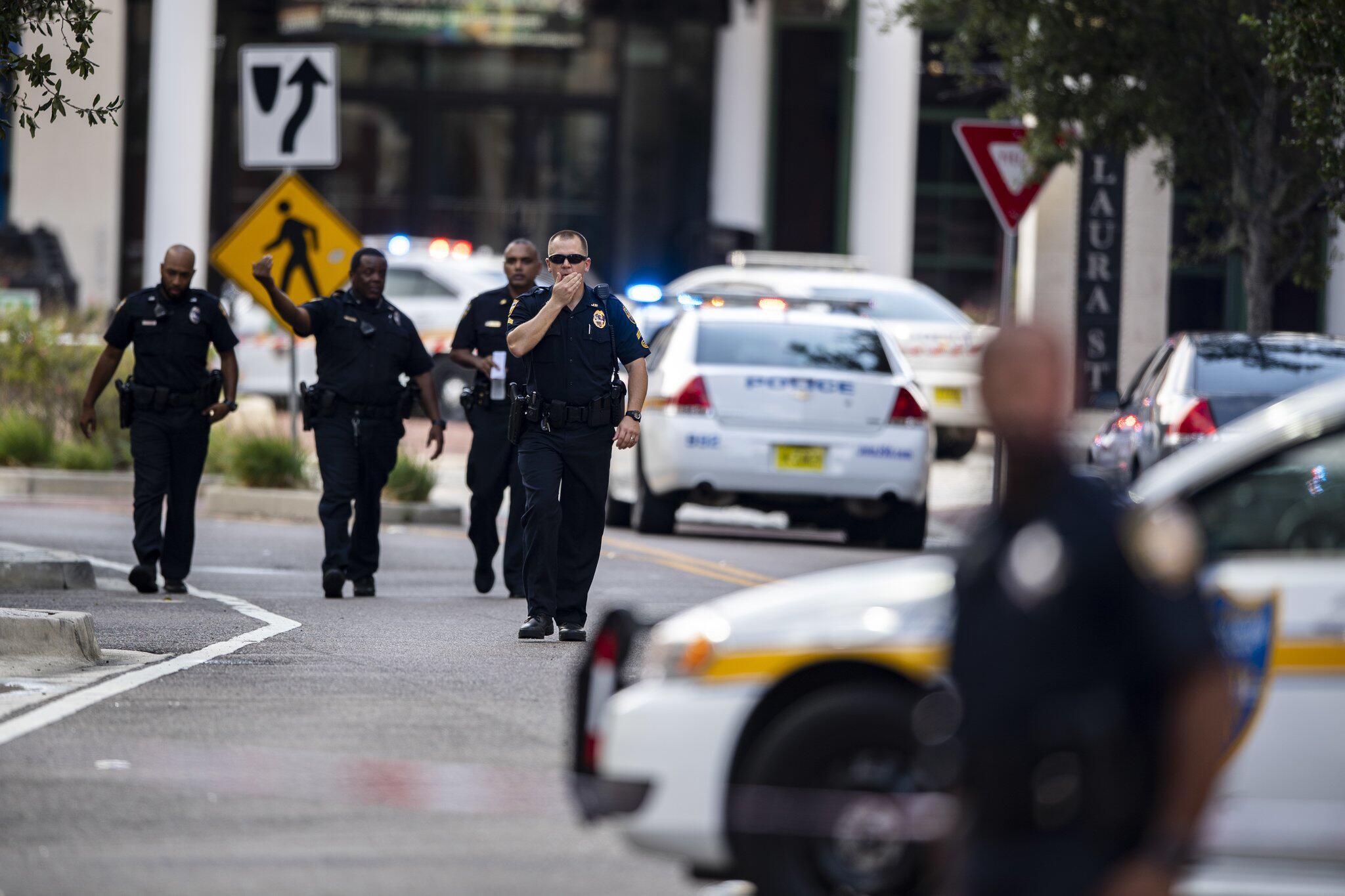 Bild zu Schießerei in Einkaufszentrum in Florida