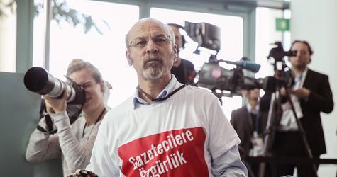 Deutschland weist türkischen Erdogan-Kritiker aus