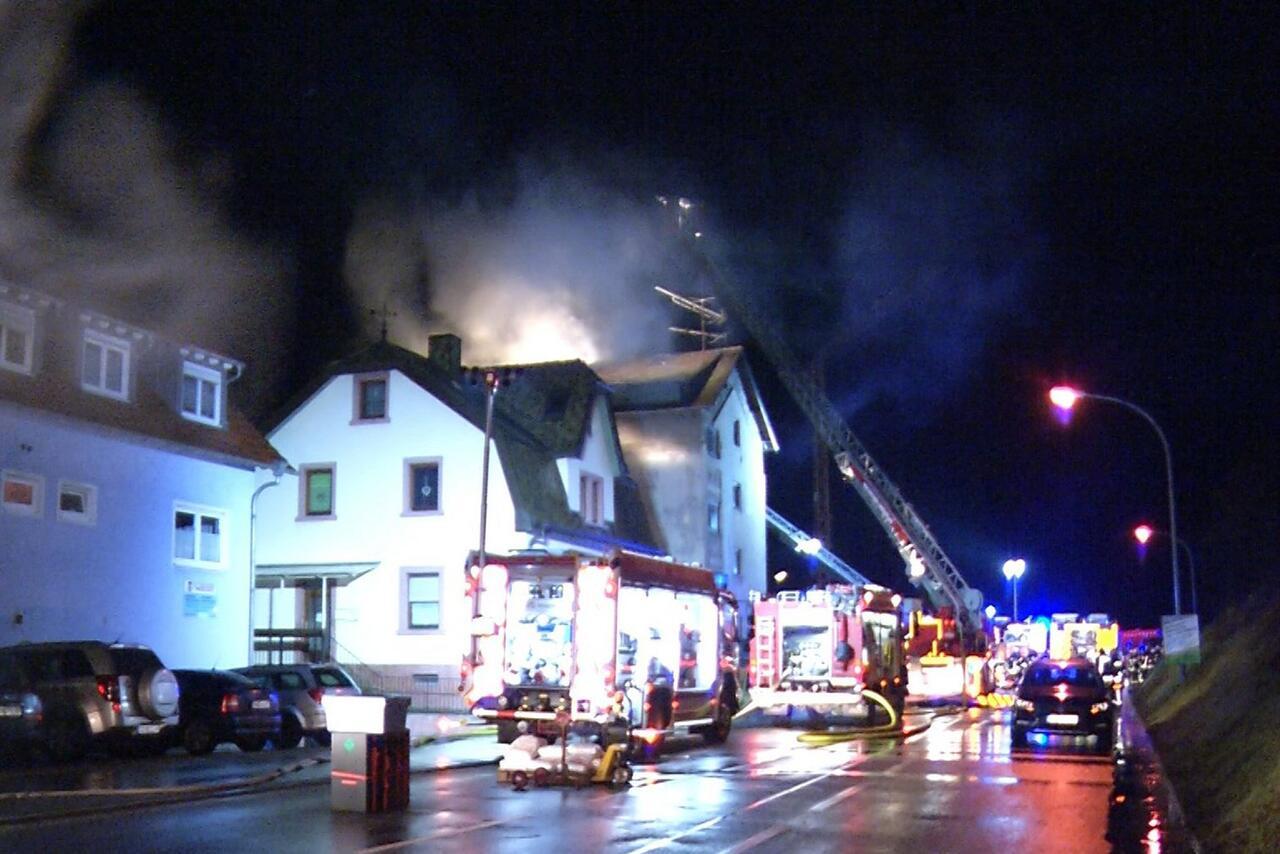 Bild zu Tote bei Wohnhausbrand