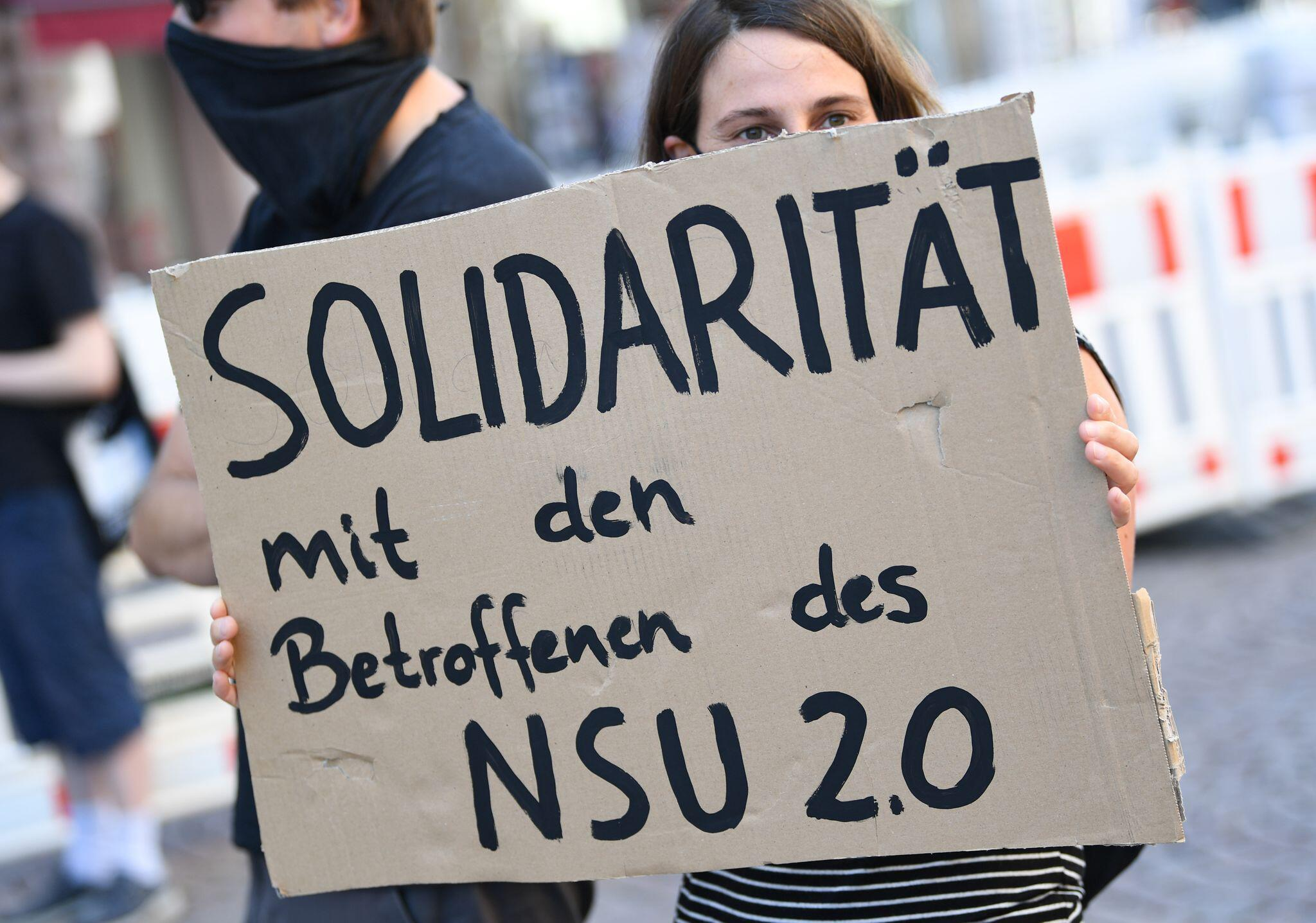 Bild zu Mutmaßlicher Verfasser von «NSU 2.0»-Drohschreiben festgenommen