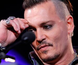 Johnny Depp, Finger, Spiegel