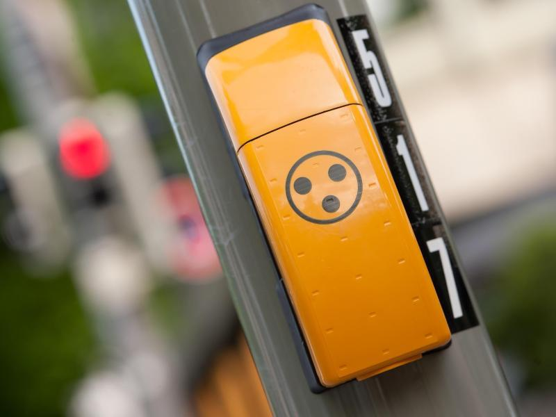 Bild zu Ampel-Knopf für Sehbehinderte