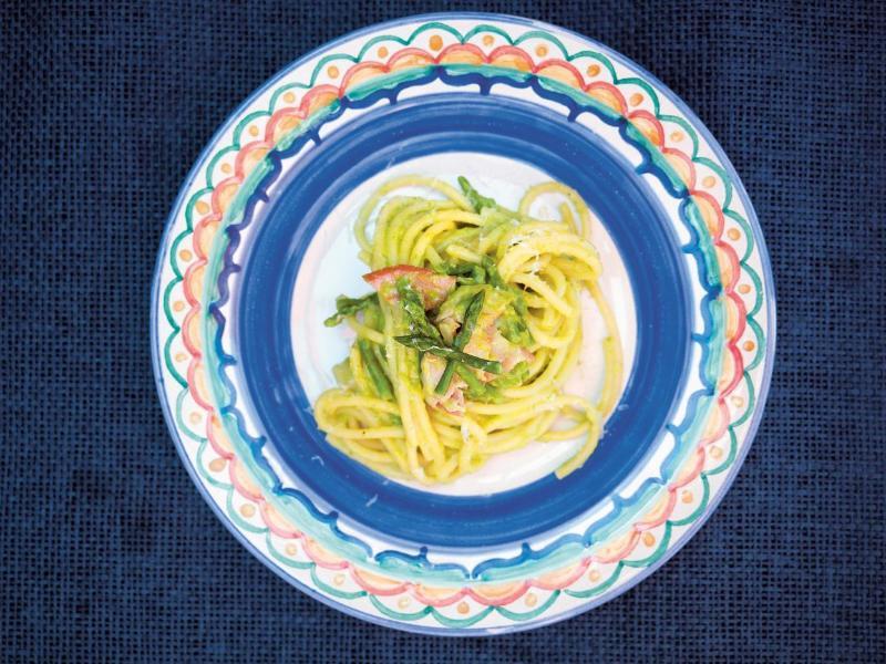 Bild zu Röhrchennudeln mit Spargel und Pancetta