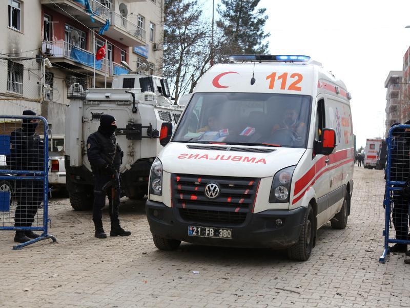 Bild zu Krankenwagen