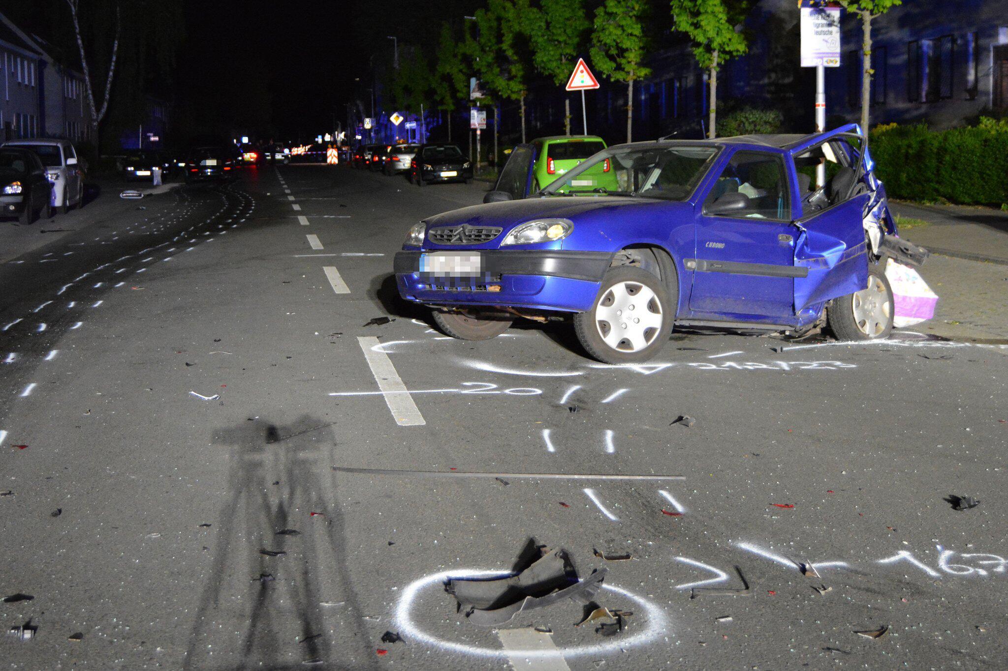 Bild zu Unfall bei mutmaßlichem Autorennen
