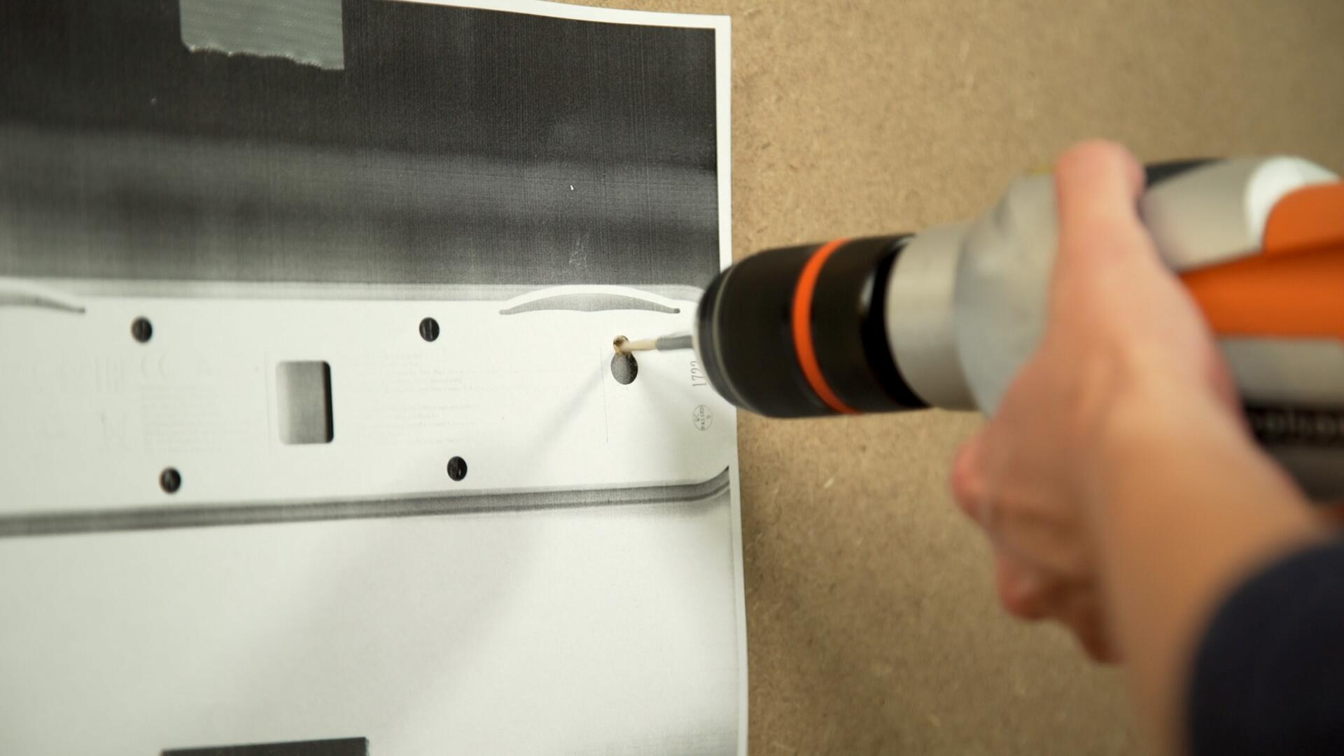 Bild zu Lifehack: Einfacher Bohren mit Kopierschablone