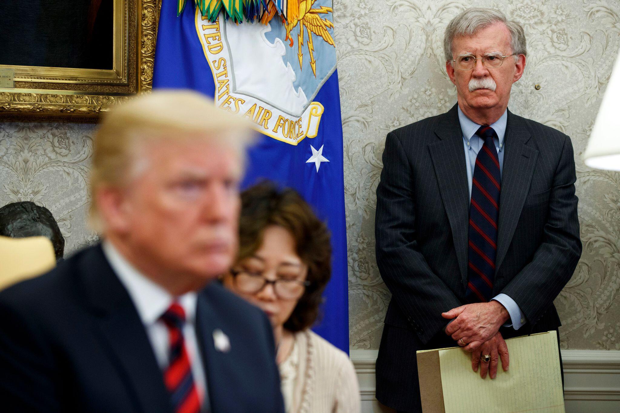 Bild zu Trump zu Anschuldigungen Boltons