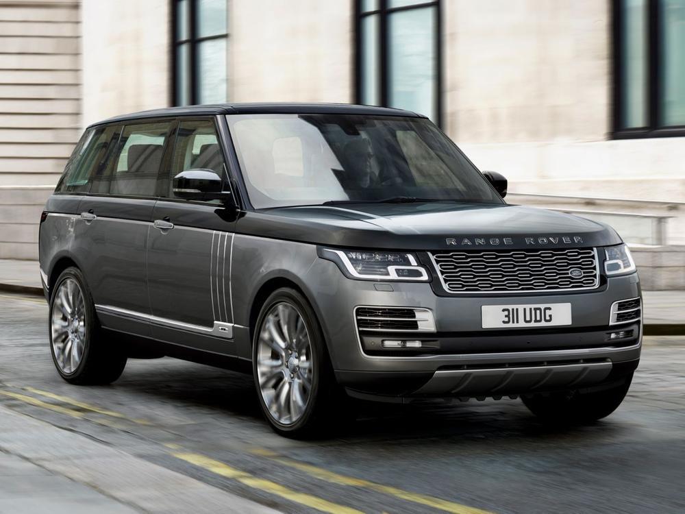 Bild zu Holz, Leder und luxuriöse Beinfreiheit: Der neue Range Rover SV Autobiography