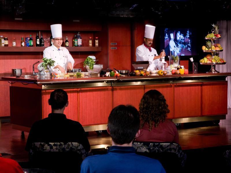 Bild zu US-Kochprofis bei Holland America Line