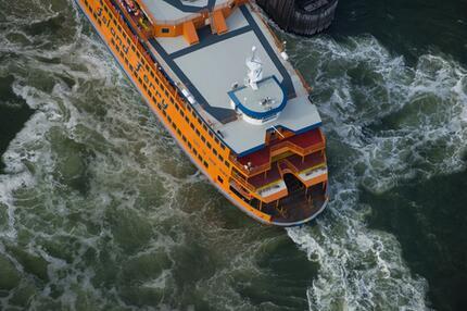 Fähre auf dem Hudson River