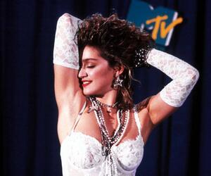 Nacktbilder der 18-Jährigen Madonna werden versteigert