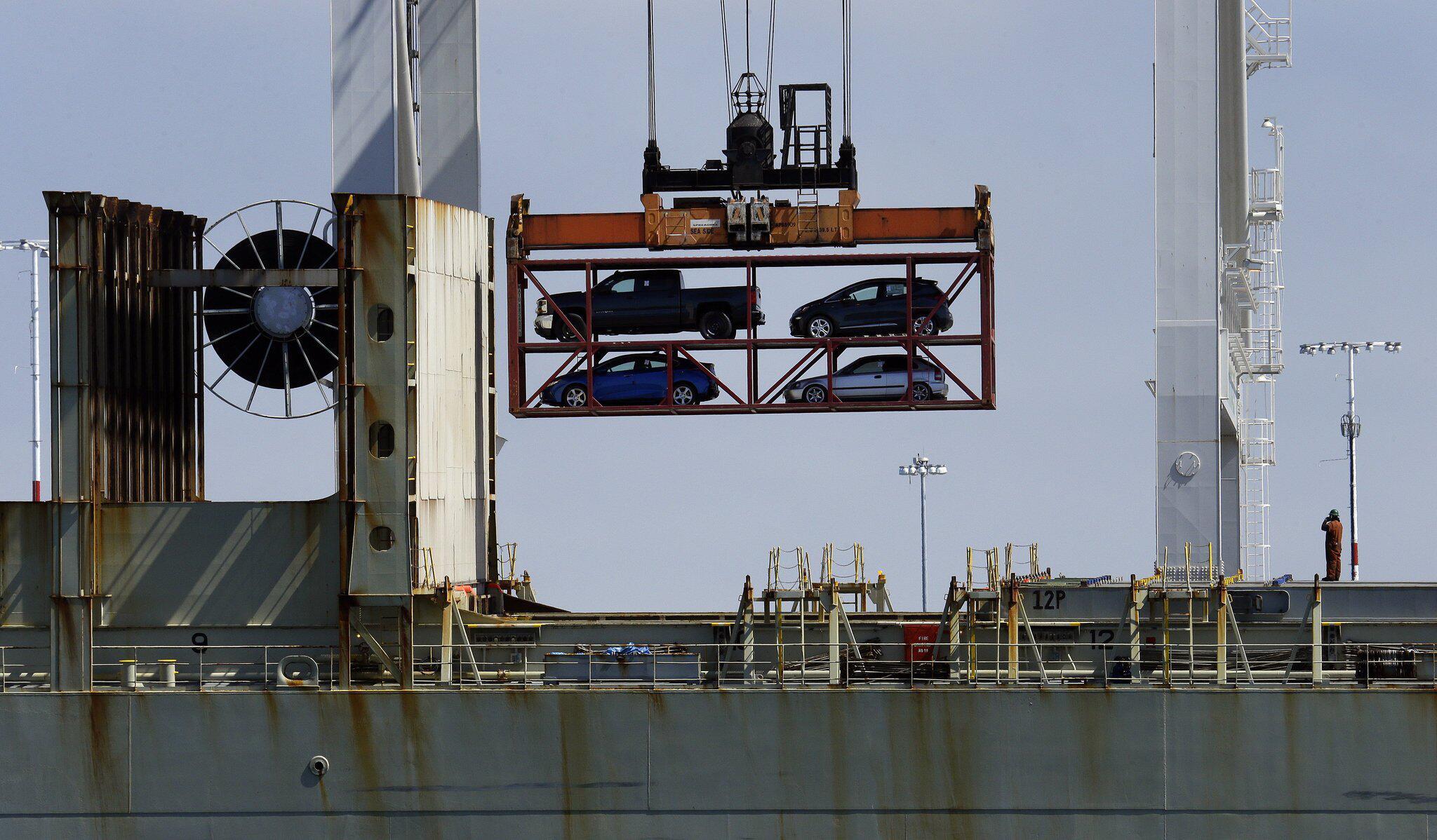 Bild zu USA - Autoumschlag im Hafen von Oakland