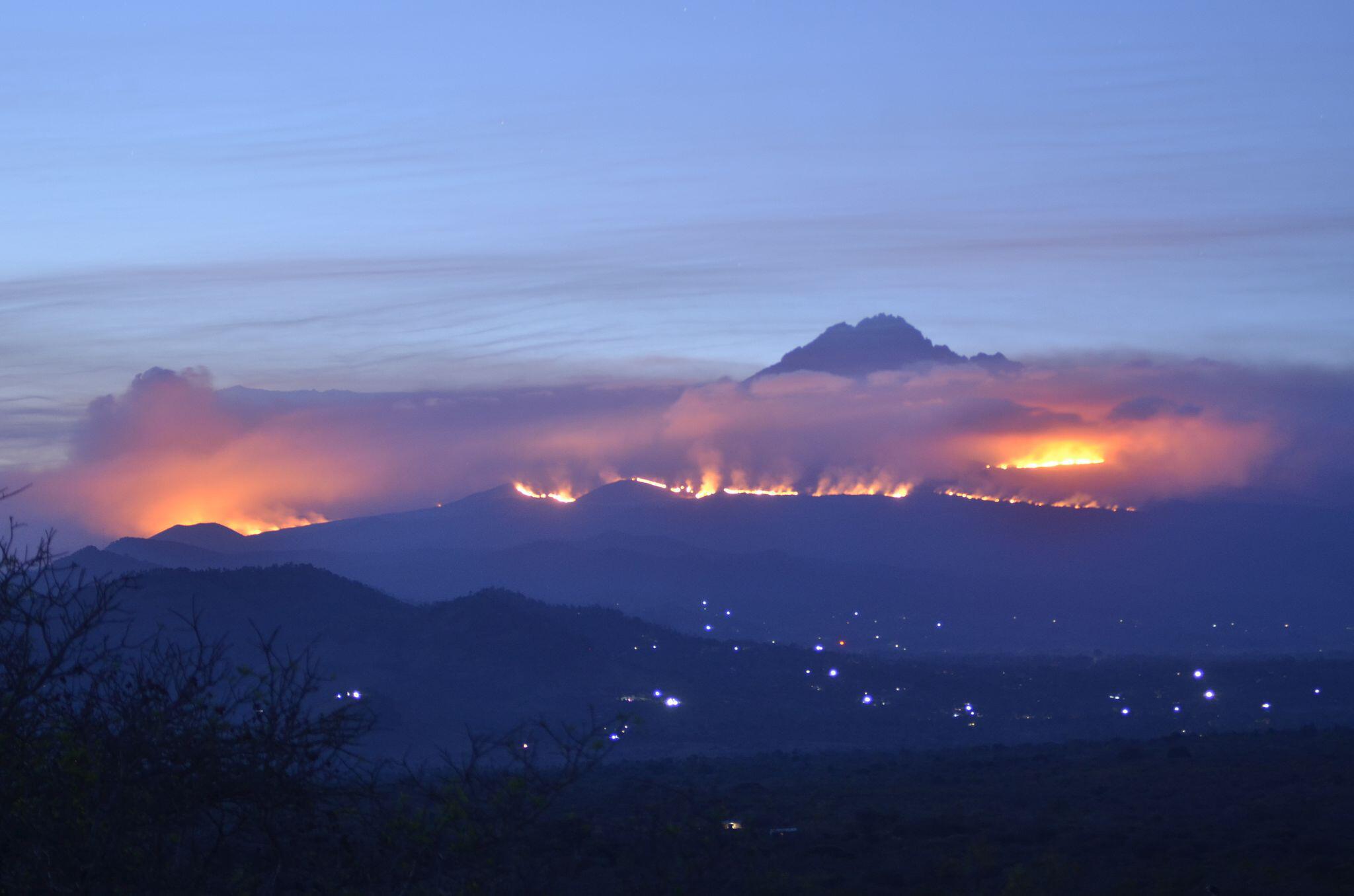 Bild zu Feuer auf dem Kilimandscharo