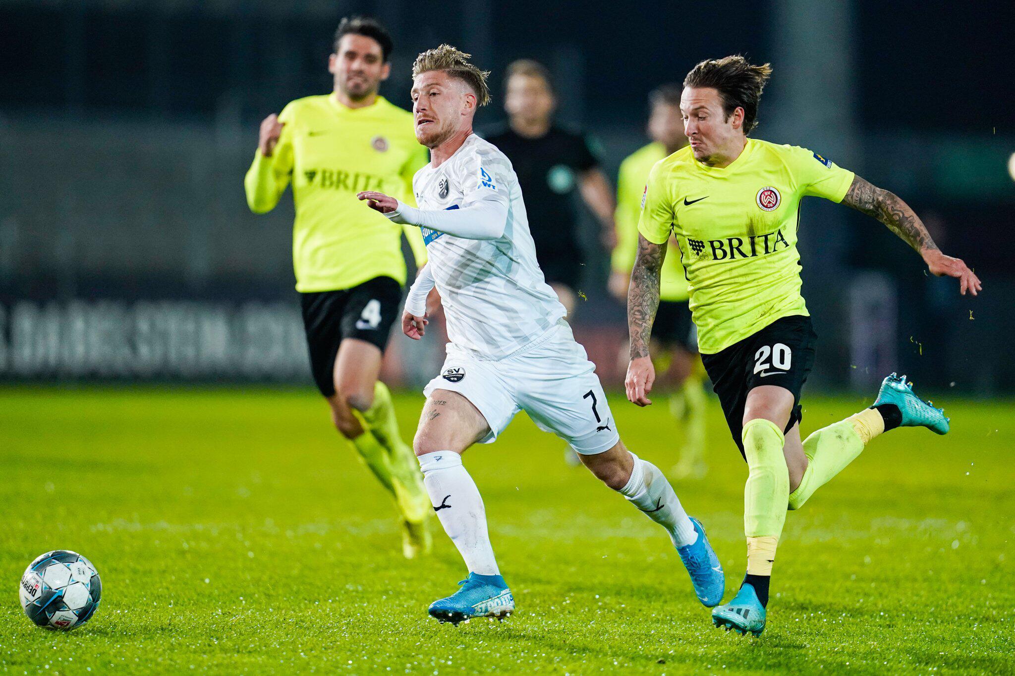 Bild zu SV Sandhausen - SV Wehen Wiesbaden