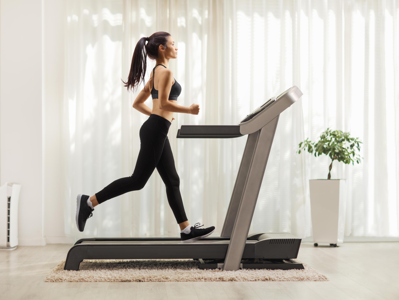 Bild zu Stepper, Crosstrainer, Fitnessgeräte, daheim, zuhause, zu Hause, Workout, abnehmen