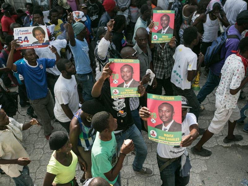 Bild zu Demo in Port-au-Prince