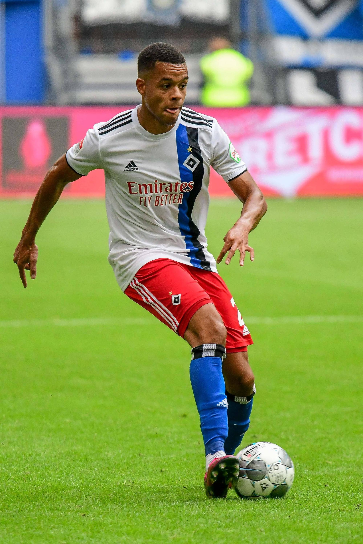 Bild zu Hamburger SV - Jan Gymareah