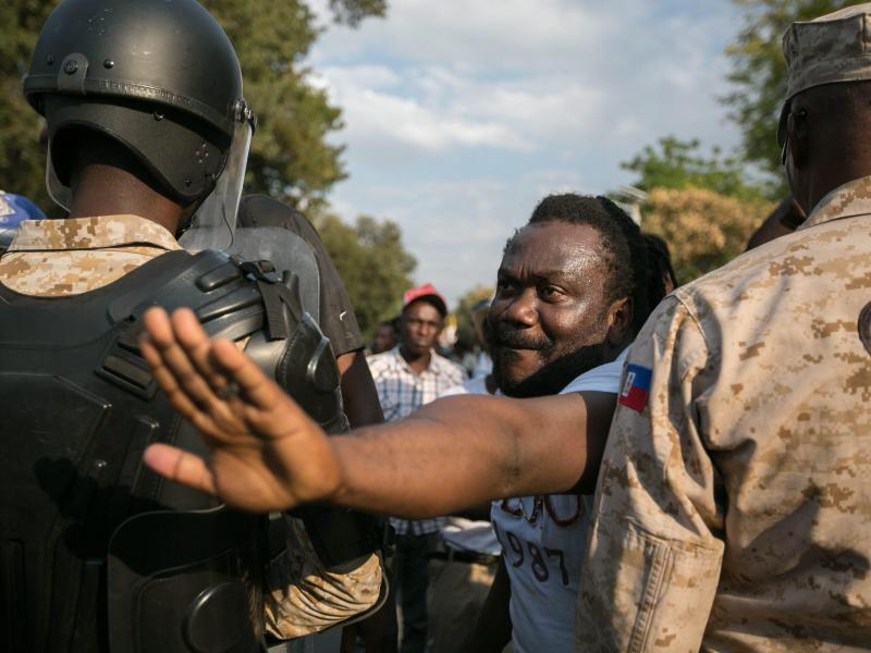 Bild zu Demonstration in Port-au-Prince