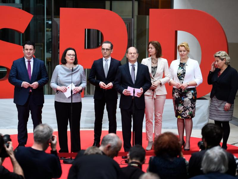 Bild zu SPD stellt Ministerliste vor