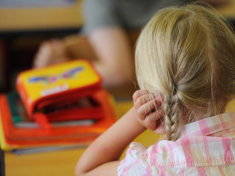 Bild zu Schulkind im Unterricht