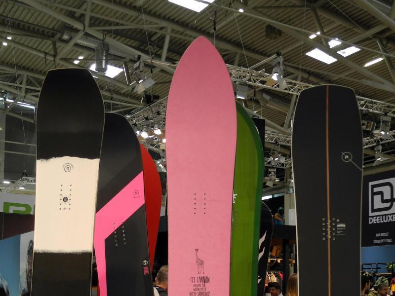 Bild zu Snowboards auf der Ispo