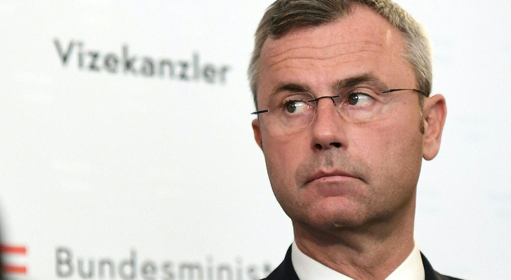 Bild zu Regierungskrise in Österreich - Strache tritt zurück