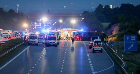 Schwerer Busunfall auf A9