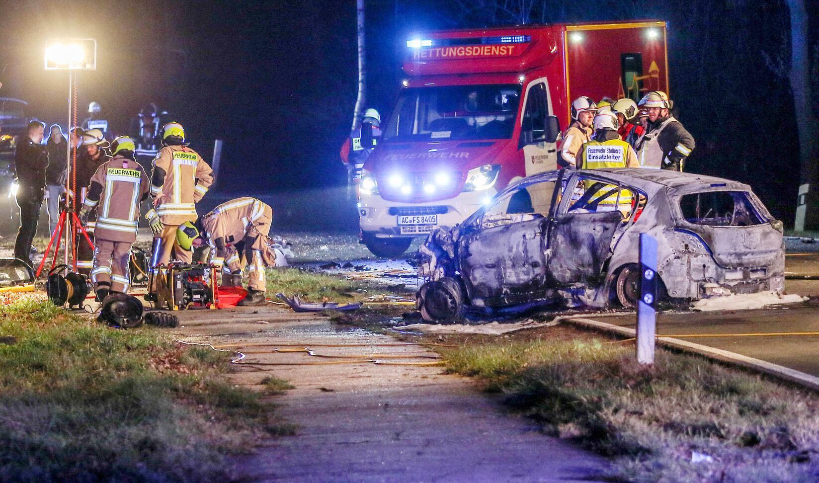 Bild zu Unfall mit fünf Toten in Stolberg - Fahrer wich Radaranlage aus