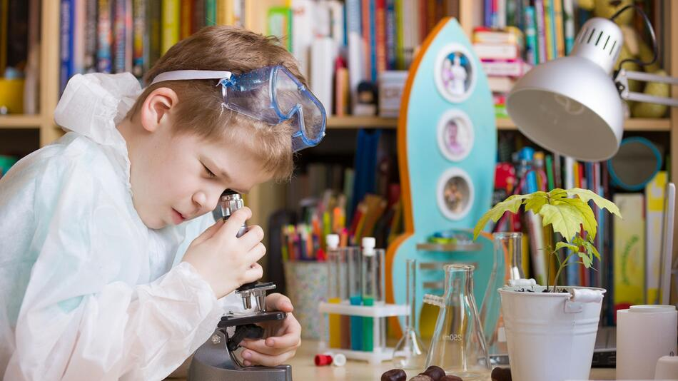 kinder, spiele, erklären, wissenschaft, experimente, experimentierkasten, kosmos, mikroskop